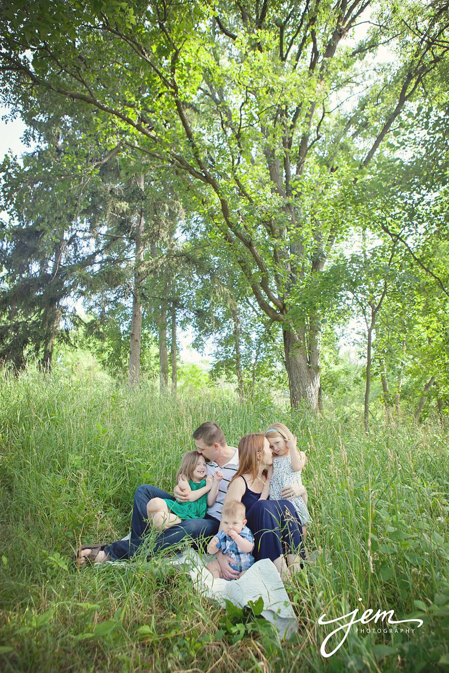 Toledo Family Photographer, Sylvania Family Photography, Perrysburg, OH Family Photographer, Maumee, OH Family Photgrapher Unique, photojournalistic, children Photography